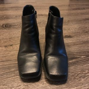 Pesaro black booties